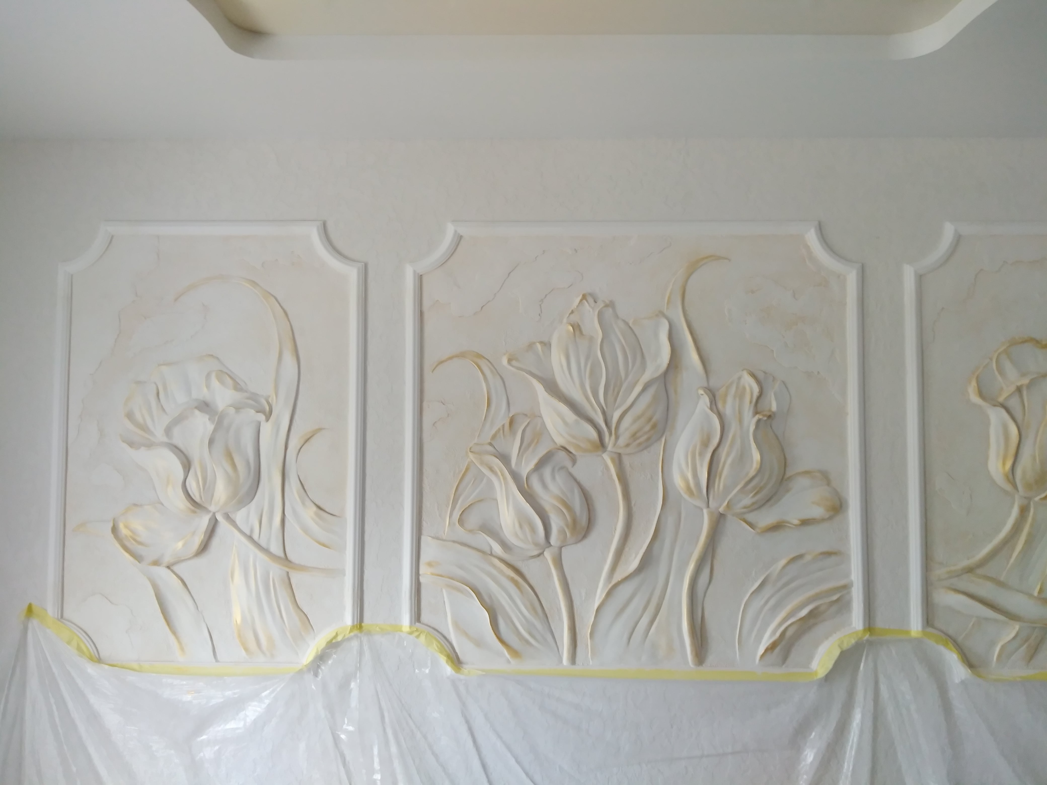 <p>Bas-relief Tulips. Triptych</p>